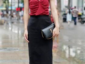 街拍控VIP:亭亭玉立的大长腿美女,秀腿的方式都很简单,非常美!
