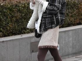 启明星街拍:用尖头细高跟PK高筒靴的美女