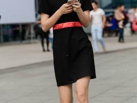 街拍控:高跟高筒靴美女,挺拔俏丽有气质