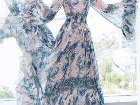 穿蓝色长裙39岁美成20岁,要窒息了!陈乔恩这是要逆天写真?