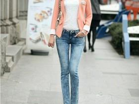 秀街拍:小姐姐一条长裤,就能穿出好身材的美女