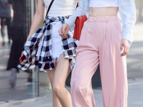 街拍美女:美女这样穿搭,气场更是满满的散发,不但很有个人气质