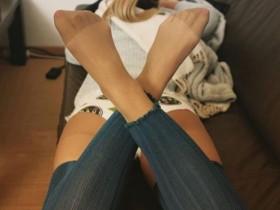 世界上男人对女人穿丝袜这件事,看法很不一样