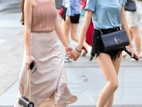 街拍美女:不说颜值如何,这红色打扮的美女,好身材确实难得一见