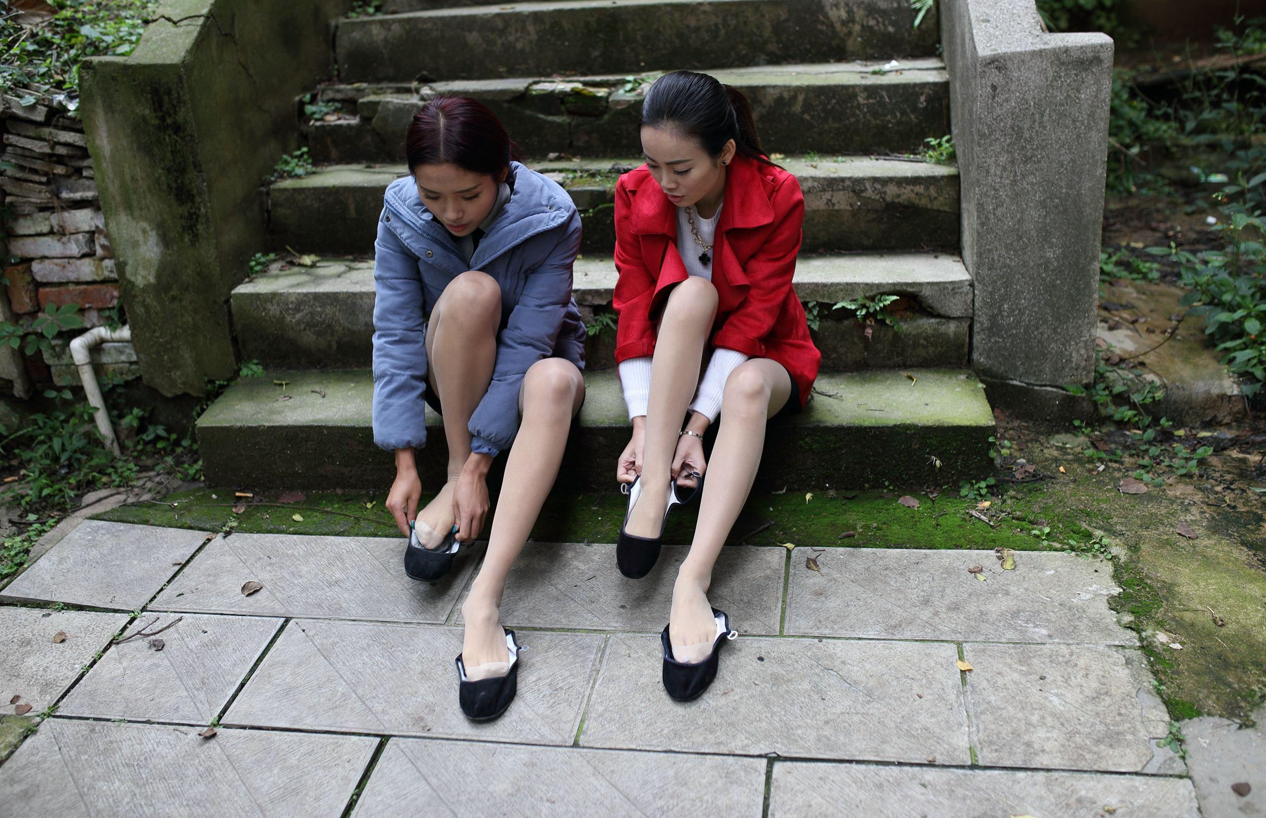街拍丝袜美腿网站域名推荐