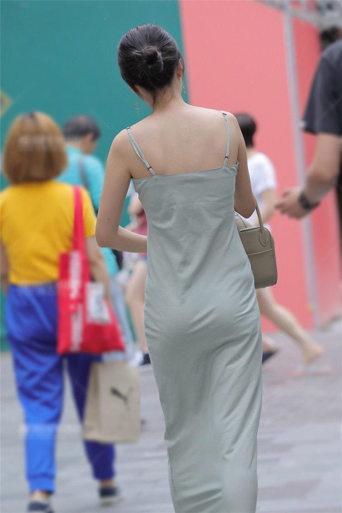 3aaa街拍拥有一个身材好的美女朋友,是什么感觉