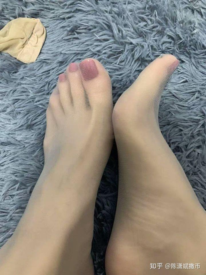 舞蹈学院老师赤足美脚赤足者展示脚底视频图片